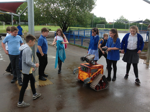 CHILDREN at a primary school got to meet a film star when they learned about robotics.