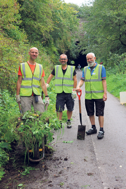 Volunteers clean up Bristol to Bath path