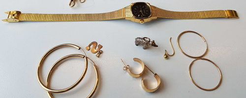 Police trying to find stolen jewellery owner